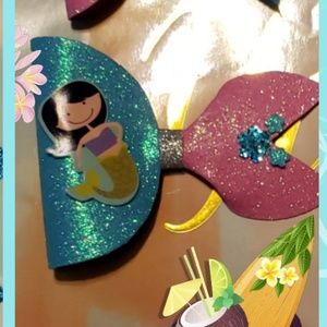 NWT Mermaid Bow
